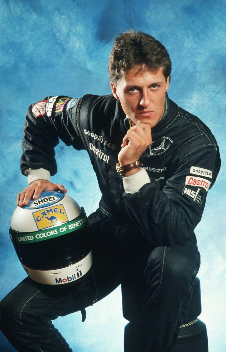 Michael Schumacher pose lors d'une séance photo à Hambourg (Allemagne), le 14 novembre1991. (BONGARTS / GETTY IMAGES)