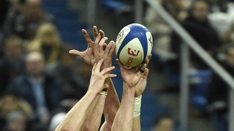 Suivez le tournoi des Six nations avec Francetv sport. (JEAN MARIE HERVIO / DPPI MEDIA / AFP)