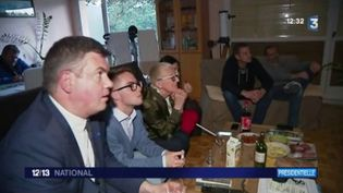 Hier soir s'affrontaient Marine Le Pen et Emmanuel Macron à la télévision. Qu'ont retenu les soutiens dans les deux camps? (FRANCEINFO)