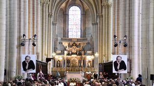 Une cérémonie en hommagedu cuisinier Joël Robuchon à la cathédrale Saint-Pierre de Poitiers (Vienne), le 17 août 2018. (MEHDI FEDOUACH / AFP)