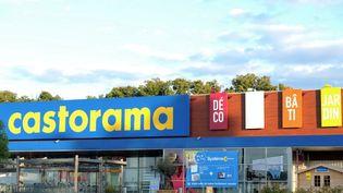 Un magasin Castorama à La Chapelle-Saint-Aubin (Sarthe), le 10 août 2013. (JEAN-FRANCOIS MONIER / AFP)