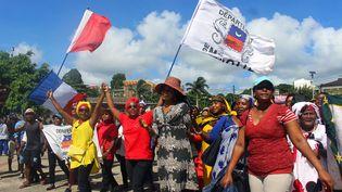 Despersonnes manifestent contre l'insécurité et l'immigration clandestine à Mayotte, le 13 mars 2018. (AFP)