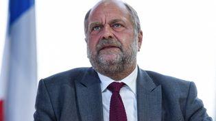 Le ministre de la Justice, Eric Dupond-Moretti, le 25 août 2021 à Paris. (ERIC PIERMONT / AFP)