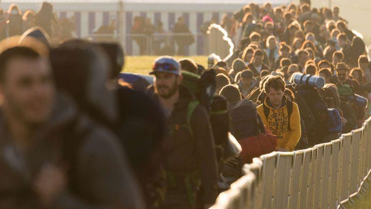 La foule se presse au festival de Glastonbury (Angleterre) qui ouvre ses portes (24 juin 2015)  (LNP/REX Shutterstock/SIPA)