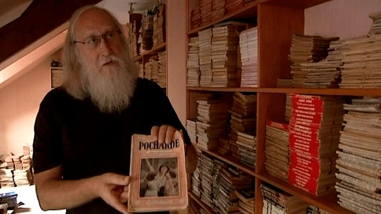 Jean-Paul Gomel possède près de 32 000 romans populaires qu'il lit chronologiquement  (France 3 Culturebox)