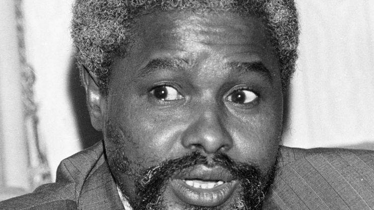 L'ancien président du Tchad Hissène Habré à N'Djaména le 9 décembre 1985. Pendant son règne (1982 à 1990), 40.000 personnes ont succombé à la répression de son service politique, selon les estimations d'une commission d'enquête tchadienne. (Photo Reuters)