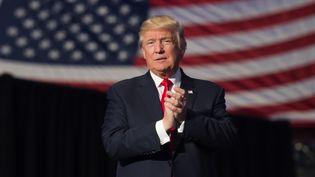 Le président élu Donald Trump lors d'un meeting à Hershey en Pennsylvanie (Etats-Unis), le 15 décembre 2016. (DON EMMERT / AFP)