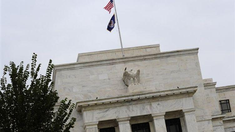 """Selon la Réserve fédérale des États-Unis (FED), la nature de la reprise est toujours """"incertaine"""". (© AFP - Karen Bleier)"""