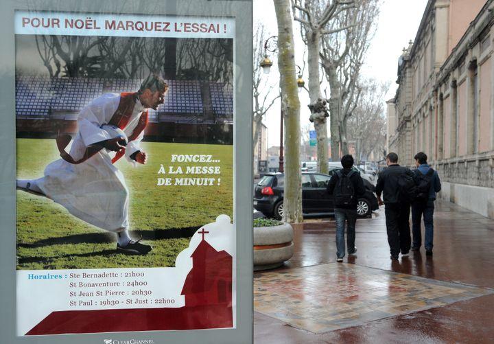 Campagne publicitaire pour la messe de Noël, à Narbonne - décembre 2010 (REMY GABALDA / AFP)