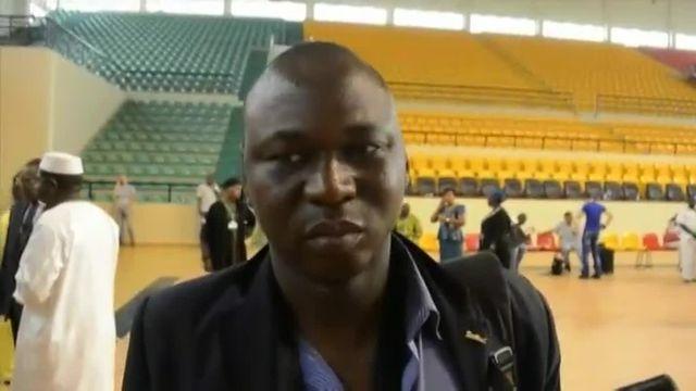 """""""Ils disaient Alahou Akbar, Alahou Akbar"""", des ex-otages de l'hôtel à Bamako témoignent"""
