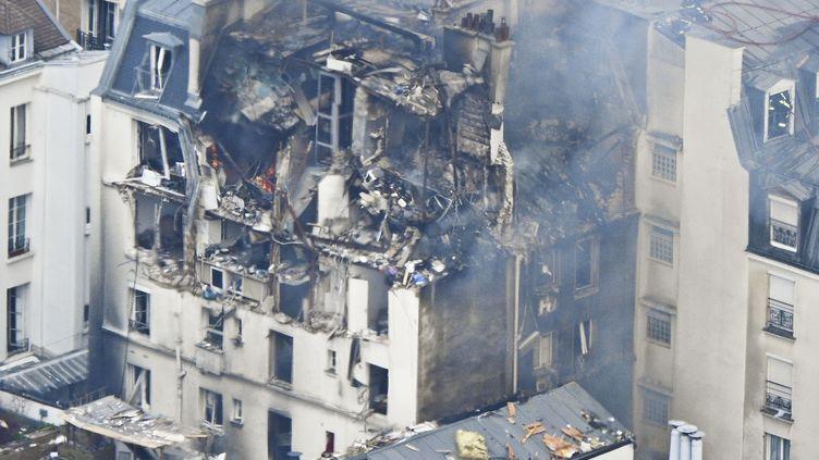 L'immeuble de la rue Bérite, à Paris (6e arrondissement) où a eu lieu l'explosion, le 1er avril 2016. (WILLIAM ABENHAIM / SIPA)