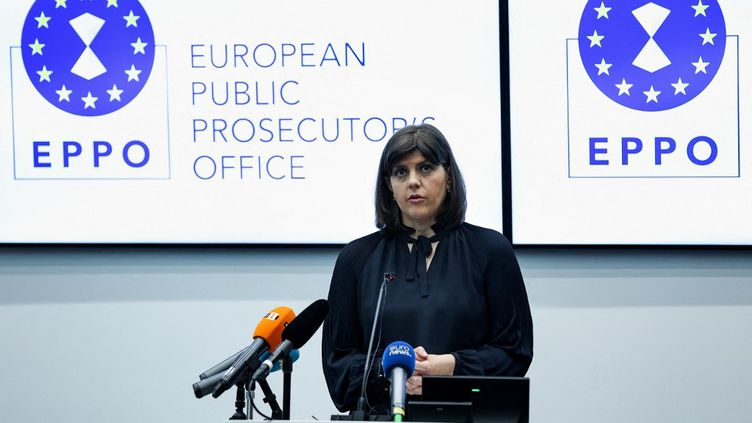 Laura Codruta Kövesi, procureure générale duParquet européen, lors d'une conférence de presse, le 1er juin 2021. (KENZO TRIBOUILLARD / AFP)