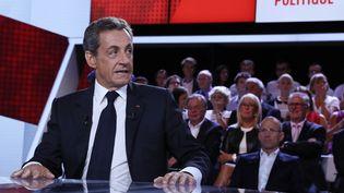 """L'ancien président de la République, Nicolas Sarkozy, le 15 septembre 2016, sur le plateau de """"L'Emission politique"""", sur France 2. (THOMAS SAMSON / AFP)"""