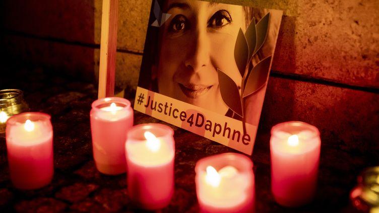 Une veillée organisée à la mémoire deDaphne Caruana Galizia, le 16 octobre 2019 à Berlin. (CHRISTOPH SOEDER / DPA / AFP)