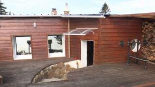 Un blockhaus utilisé comme une maison dans la Manche. (FRANCE 3)