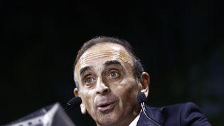 """Eric Zemmour prononce un discours lors de la """"convention de la droite"""" à Paris, le 28 septembre 2019. (SAMEER AL-DOUMY / AFP)"""