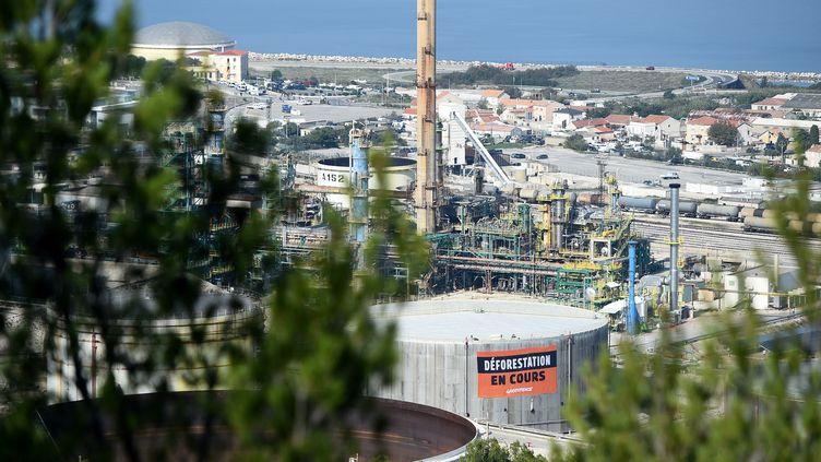 La raffinerie de La Mède (Bouches-du-Rhône), le 29 octobre 2019. (BORIS HORVAT / AFP)