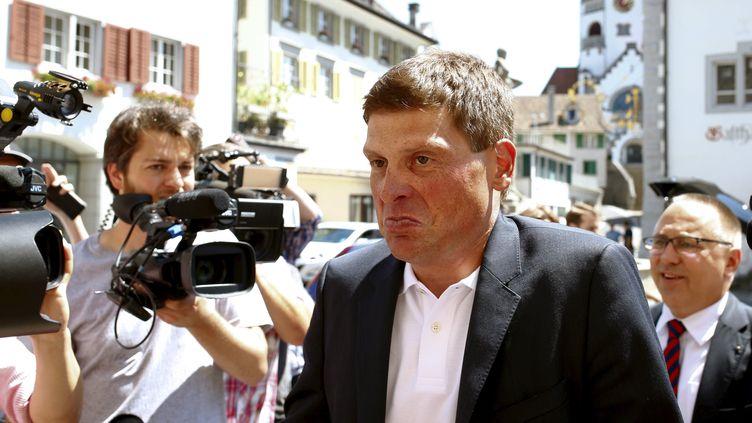 L'ancien cycliste Jan Ullrich arrive au tribunal suisse deWeinfelden, le 21 juillet 2015,lors de son procès pour conduite en état d'ivresse. (ARND WIEGMANN / REUTERS)