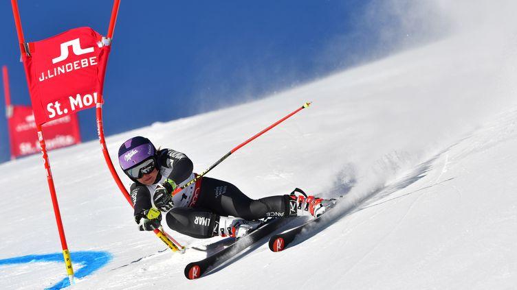 Tessa Worley en tête de la première manche du slalom géant des Mondiaux de Saint-Moritz. (DIMITAR DILKOFF / AFP)