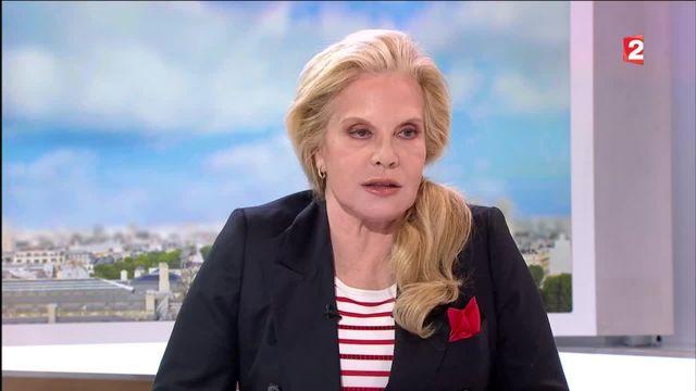 "Sylvie Vartan présente son livre ""Maman..."""