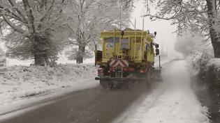 Le département du Cher est sous la neige ce mardi 6 février. (France 2)