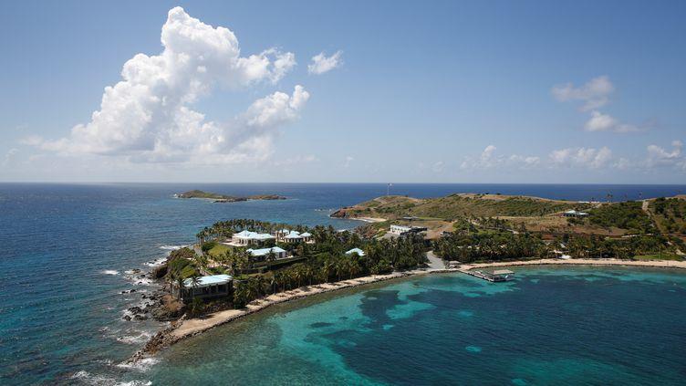 Vue aérienne de l'île Little St. James, appartenant au financier Jeffrey Epstein, le 21 juillet 2019. (MARCO BELLO / AFP)