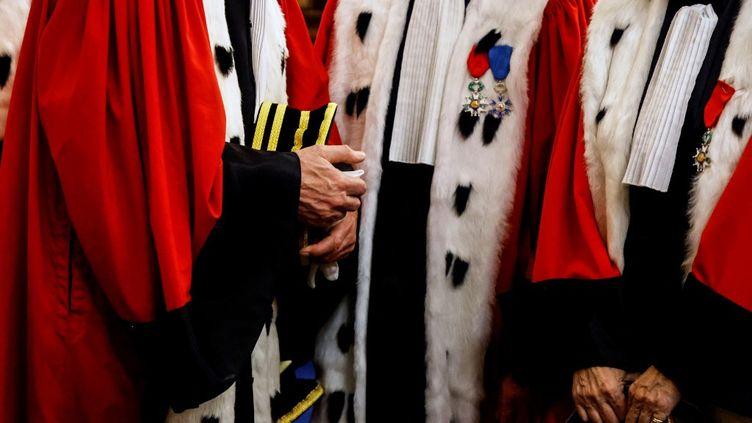 """Des magistrats lors de la traditionnelle """"audience solennelle"""" de la Cour d'appel de Paris, au Palais de Justice de la capitale, le 14 janvier 2021. (LUDOVIC MARIN / AFP)"""