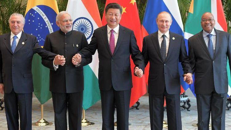 De gauche à droite: le président brésilien Michel Temer, le Premier ministre indien Narendra Modi, le président chinois Xi Jinping, le président russe Vladimir Poutine et le président sud-africain Jacob Zuma. (Sergey Guneev / Sputnik)