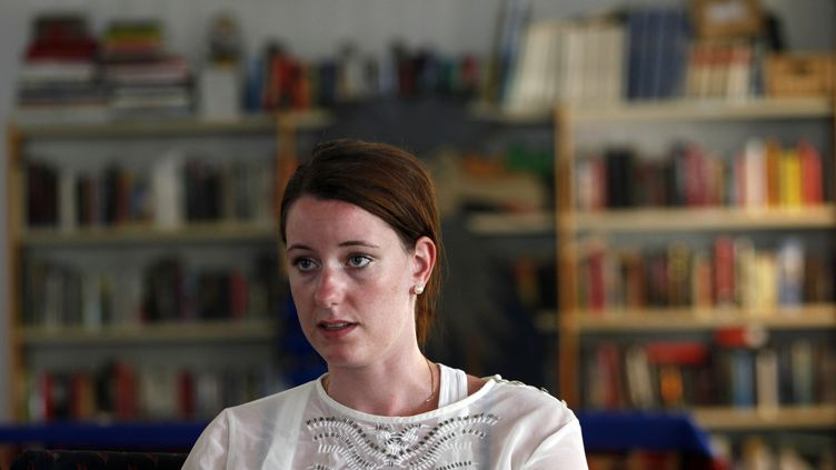La Norvégienne Marte Dalelv, condamnée puis graciée après avoir porté plainte pour viol, lors d'une interview, à Dubaï (Emirats arabes unis), le 21 juillet 2013. (JUMANA EL-HELOUEH / REUTERS)