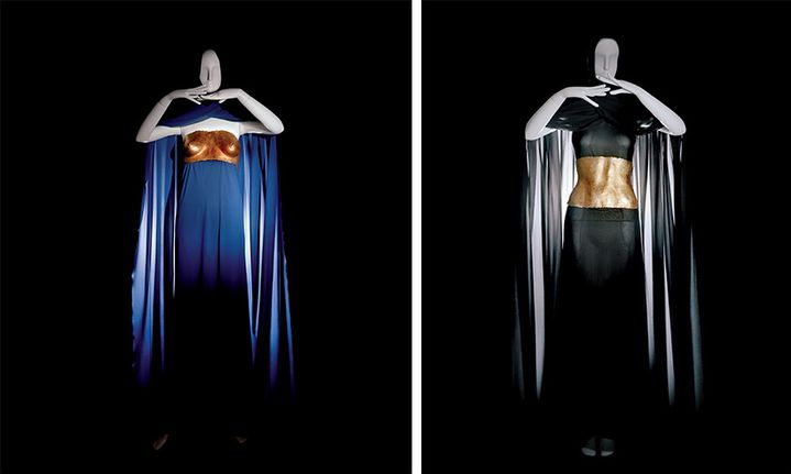 Robes du soir pourvues d'éléments sculptés créés par Claude Lalanne. Collection Yves Saint Laurent haute couture automne-hiver 1969   (Yves Saint Laurent/ photo Alexandre Guirkinger)