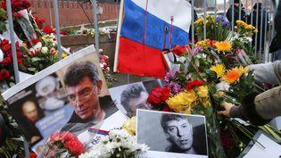 Mémorial en l'honneur de Boris Nemtsov, à Moscou (Russie), le 1er mars 2015. (TATIANA MAKEÏEVA / REUTERS)