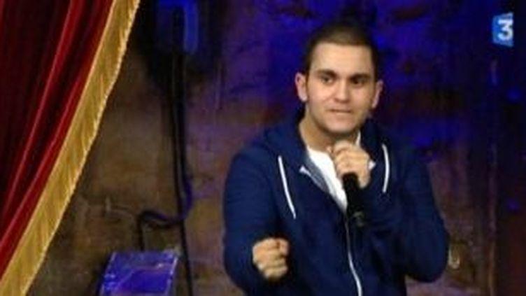 Malik Bentalha, de l'humour à revendre dans les pas de Jamel Debbouze  (Culturebox)