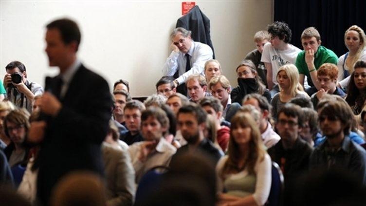 Des étudiants de l'université d'Oxford (28 avril 2010) (AFP - ADRIAN DENNIS)