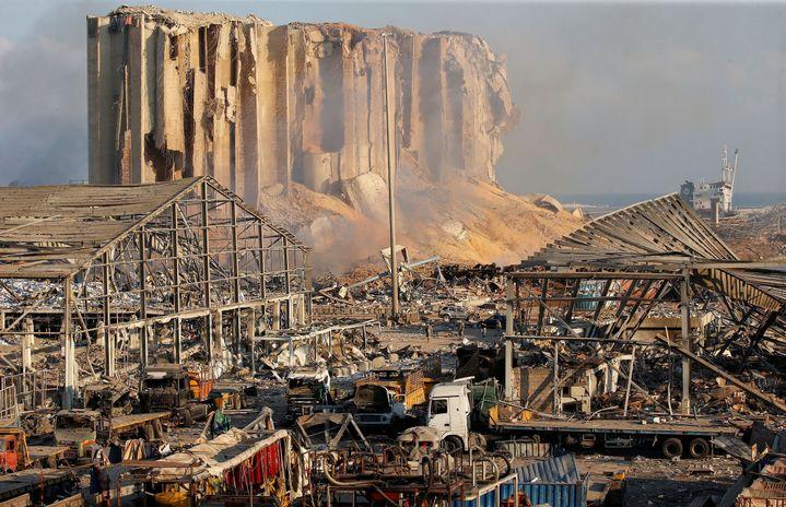 Vue du port de Beyrouth (Liban) au lendemain des deux explosions qui ont balayé la ville. (MOHAMED AZAKIR / X00013)