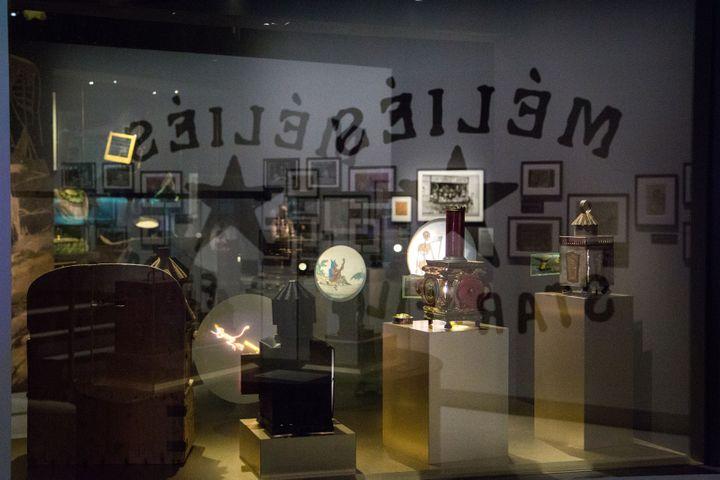 Objets pré-cinématographiques exposés au Musée Méliès. (LA CINEMATHEQUE FRANCAISE)