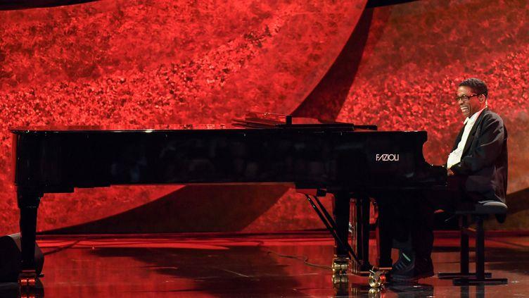 Herbie Hancock sur scène le 25 septembre 2018 à Los Angeles, lors d'un concert consacré à Quincy Jones (ROB LATOUR / VARIETY / REX / SHUTTERSTOCK / SIPA)
