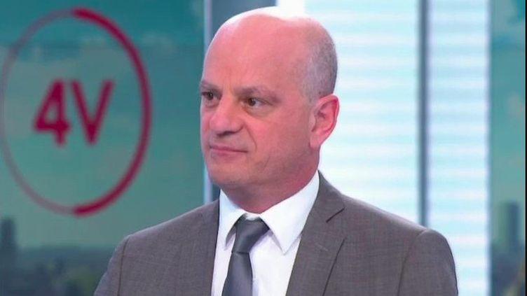 """""""La situation est très différente entre l'université et le lycée"""" : Jean-Michel Blanquer est l'invité des 4 Vérités (FRANCE 2)"""