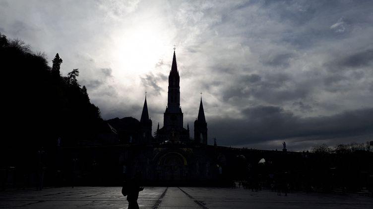 La basilique Notre-Dame du Rosaire. (BENJAMIN ILLY / FRANCE-INFO)