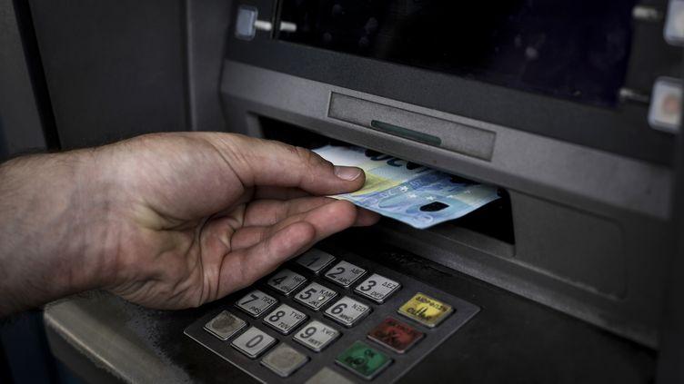 Au total, plus de 50 distributeurs de billets ont été dégradés depuis 2014 dans le centre de Brest. (KOSTIS NTANTAMIS / AFP)