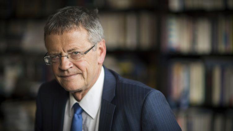 Pascal Boniface, directeur de l'institut des relations internationales et stratégiques, et auteur de l'ouvrageGéopolitique du sport, le 20 mars 2015 à Paris. (MARTIN BUREAU / AFP)