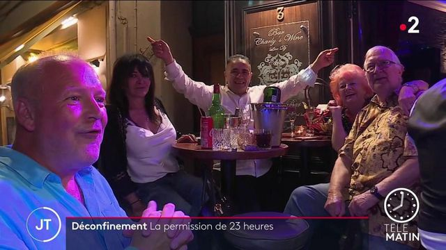 Déconfinement: les Français profitent au maximum du couvre-feu à 23 heures