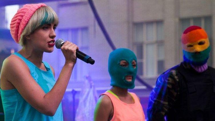 Nadya Tolokonnikova et deux autres membres des Pussy Riot sur scène à Toronto en 2015  (CITIZENSIDE / REYNALDO VASCONCELOS / Citizenside)