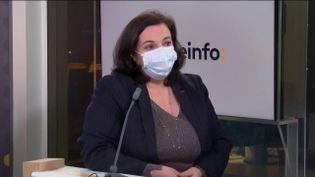 Emmanuelle Cosse, ancienne ministre du logement et présidentede l'Union sociale pour l'habitat, était l'invitée éco du mardi 5 janvier. (FRANCEINFO / RADIOFRANCE)
