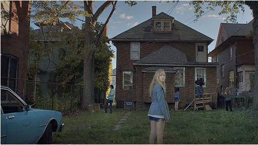 "Maika Monroe dans ""It Follows"" de David Robert Mitchell  (Metropolitan FilmExport )"