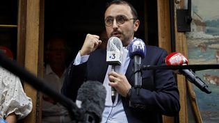 """Stéphane Manigold, propriétaires de restaurants à Paris et porte-parole du collectif de commerçants """"Restons ouverts"""", le 22 mai 2020. (THOMAS COEX / AFP)"""