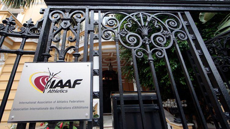 (Les enquêteurs de l'agence mondiale anti-dopage, mais également la justice française soupçonnent l'ancien président de l'IAAF Lamine Diack et ses proches d'avoir monnayé leur silence dans des affaires de dopage. Photo d'illustration © Maxppp)