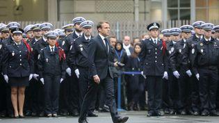 Emmanuel Macron lors de la cérémonie d'hommage aux victimes de l'attaque à la préfecture de police de Paris, mardi 8 octobre 2019. (LUDOVIC MARIN / AFP)