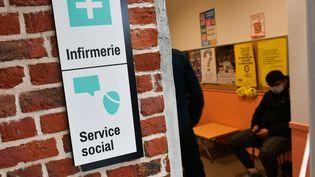 La salle d'attente de l'infirmerie du lycée Paul Hazard à Armentières (Nord), le 1er octobre 2020. (MAXPPP)