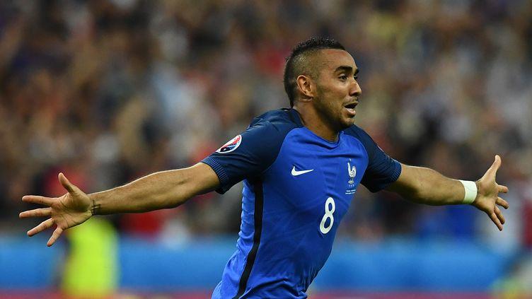 Dimitri Payet, le héros du match France-Roumanie. (FRANCK FIFE / AFP)