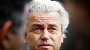 Geert Wilders, à la sortie d'un bureau de vote à La Haye (Pays-Bas), le 22 mai 2014. (BAS CZERWINSKI / ANP MAG / AFP)